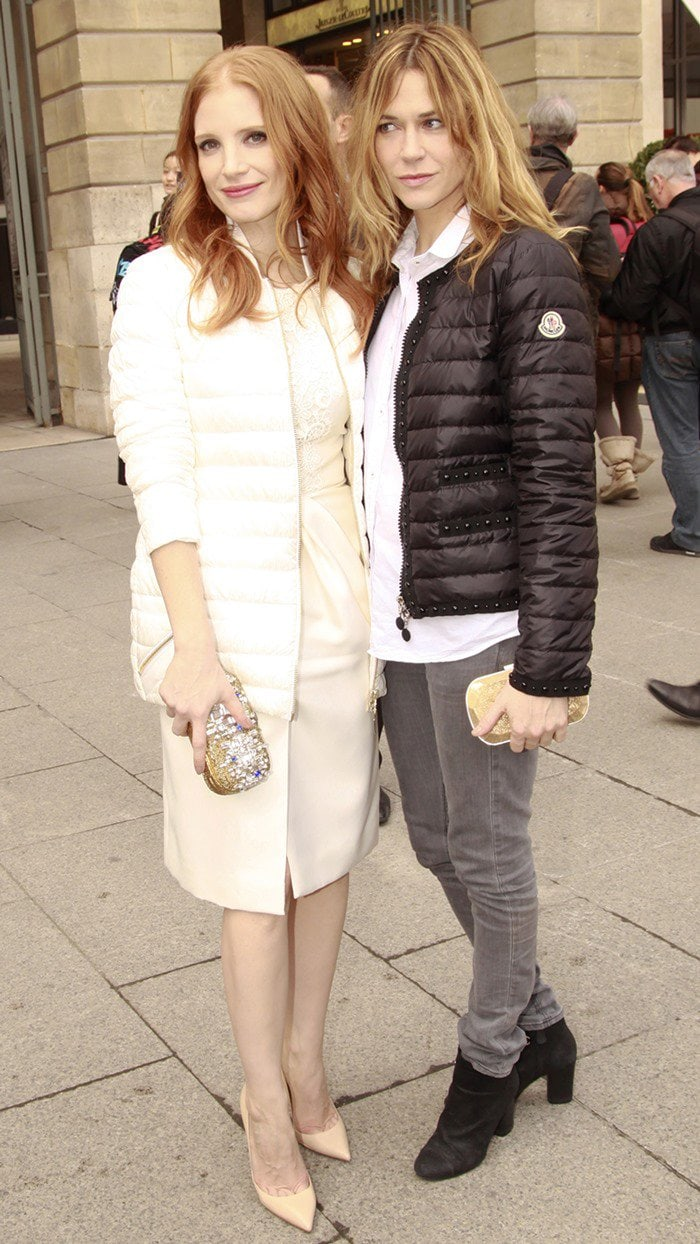 Jessica Chastain wearsa white quilted nylon jacket by Moncler