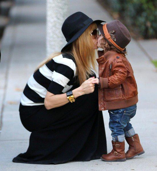 Rachel Zoe kissing her fashionable toddler