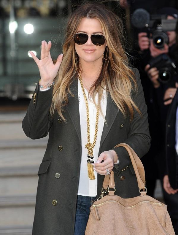 Khloe Kardashian arrives at her hotel
