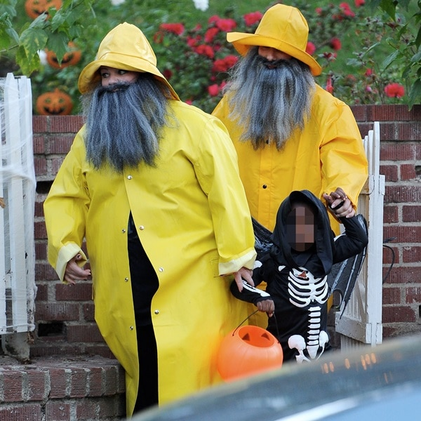 Sandra Bullock and Melissa McCarthy trick or treating