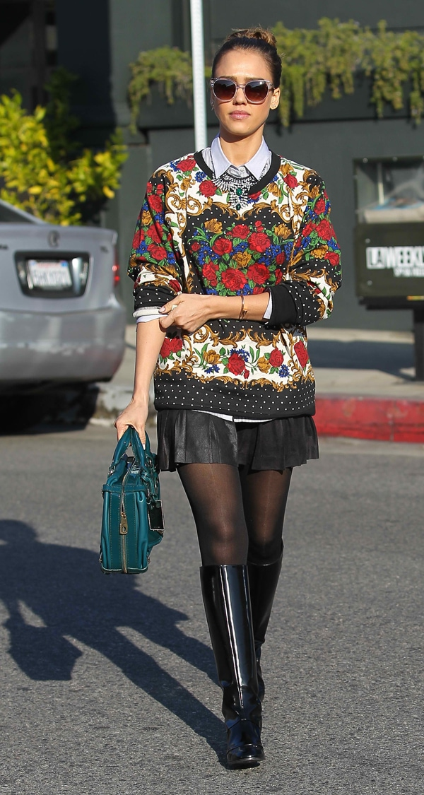 Jessica Alba leaving Toscana Brentwood restaurant to attend a meeting in Los Angeles on December 12, 2013