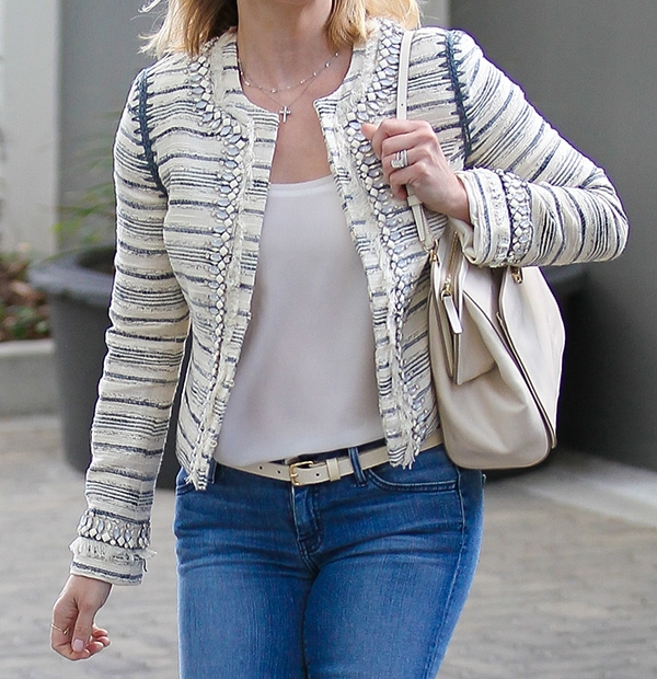 Reese Witherspoon heading to an office