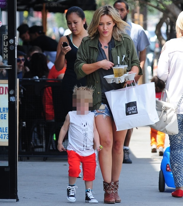 Hilary Duff grabs lunch with son Luca