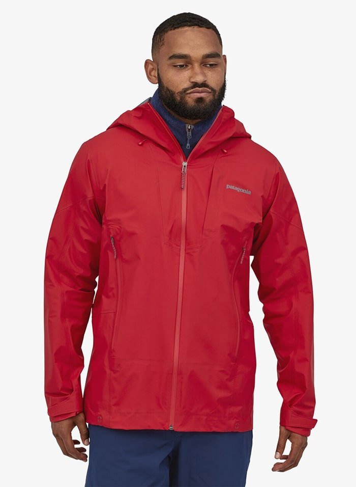 Featuring a highly breathable alpine shell with Gore-Tex Active suitable for fast and light mountain pursuits